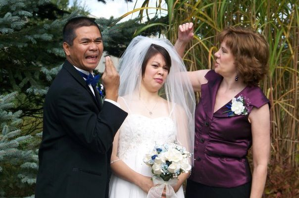 awkward-bride-parents